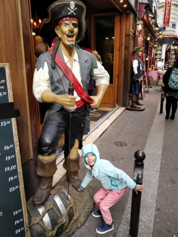 I'm a pirate!, Paris, France